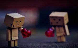 Klötzchenfiguren mit Herzchen